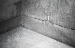 Inre fragment av ett tomt konkret rum Royaltyfri Foto