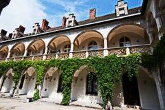 Inre gård av Schloss Rothschild Arkivfoton