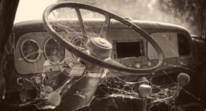 inre gammal lastbil fotografering för bildbyråer