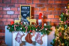 Inre härlig jul Garneringar för nytt år för tegelsten Fotografering för Bildbyråer