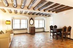 Inre härlig lägenhet arkivbild