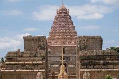 Inre helgedomtorn för hinduisk tempel i Tamil Nadu Royaltyfri Bild