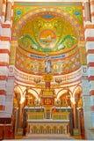 Inre i den katolska basilikan Notre Dame De La Garde royaltyfri foto