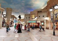 Inre IBN Battuta Mall lager Varje korridor dekoreras Arkivbilder