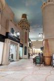 Inre IBN Battuta Mall lager Varje korridor dekoreras i set Arkivfoto