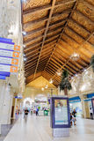 Inre IBN Battuta Mall lager Varje korridor dekoreras i set Royaltyfri Bild