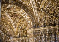 Inre Igreja e Convento de São Francisco i Bahia, Salvador - Brasilien arkivfoto