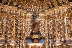 Inre Igreja e Convento de São Francisco i Bahia, Salvador - Brasilien arkivbild