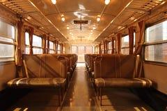 Inre järnväg passagerarevagn, utan passagerare royaltyfri bild