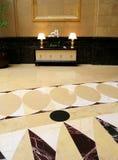 inre lobbylyx för hotell arkivfoto