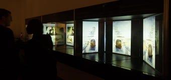 Inre med berömda arbeten av konstnären i Dali Museum Arkivfoton