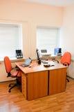 inre modern kontorsarbetsplats Royaltyfri Foto