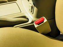 Inre moderna bilbeståndsdelar, närbild av säkerhetsbältet Royaltyfri Fotografi