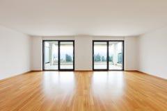 Inre moderna tömmer framlänges, lägenheten Royaltyfria Bilder