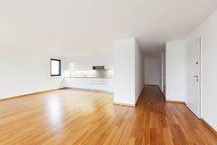 Inre moderna tömmer framlänges, lägenheten Royaltyfria Foton
