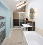 inre modernt för badrum Royaltyfri Bild