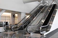 inre modernt för flygplats Arkivfoton