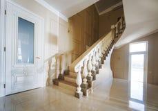 inre modernt för härligt hus Fotografering för Bildbyråer