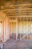 inre nytt under för hyreshuskonstruktion Arkivbild