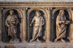 Inre och detaljer av basilikan av St Denis Paris Fran Arkivbild