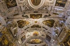 Inre och detaljer av den Siena domkyrkan, Siena, Italien Arkivbilder