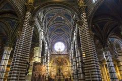 Inre och detaljer av den Siena domkyrkan, Siena, Italien Arkivfoto