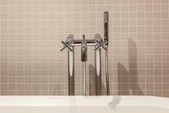 Inre och objekt i badrummet royaltyfri bild