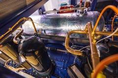 Inre ordning av den industriella luftkonditioneringsapparaten Många koppar hårdlödde rör Royaltyfria Foton