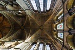 inre perspektivsikt för ärke- domkyrka Royaltyfria Bilder