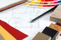 Inre projekt med paletten, materialprövkopior, blyertspenna 1 Royaltyfri Fotografi
