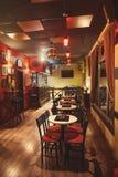 Inre Retro design för kafé Royaltyfria Foton