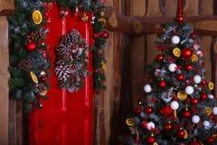 Inre rum som dekoreras i julstil Inga personer Hem- komfort av det moderna huset Arkivbilder