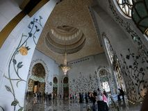 Inre Sheikh Zayed Mosque Royaltyfri Bild