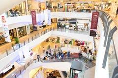 Inre sikt av den centrala plazaen storslagna Rama 9 Royaltyfria Foton