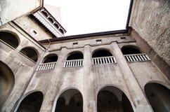 Inre sikt av den Huniazi slotten Royaltyfri Foto