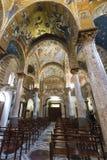 Inre sikt av den LaMartorana kyrkan i Palermo arkivfoto