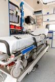Inre sikt av en ambulansbilbår Arkivfoto