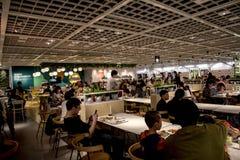 Inre sikt av en snabb restaurang i den wuhan staden, porslin arkivfoton