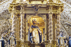 Inre sikt av kyrkan av Santo Domingo Arkivbild