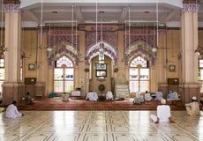 Inre sikt av Memon Masjid Karachi royaltyfri bild