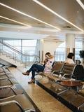 inre soligt för flygplatsdag royaltyfria bilder
