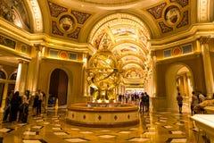 Inre springbrunn i den Venetian semesterorten i Las Vegas Arkivfoton