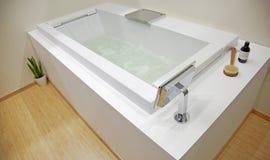 inre stilfullt för badrum Fotografering för Bildbyråer