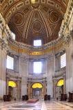 Inre tempel av St Peter vatican Royaltyfria Bilder