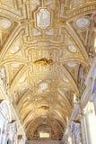 Inre tempel av St Peter vatican Royaltyfri Foto