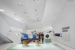 Inre vagn av det Porsche museet Arkivbilder
