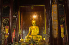 Inre Wat Phan Tao, Thailand Royaltyfri Fotografi