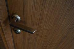 Inredörr, fanér för handtag för dörr för dörrhandtag royaltyfri foto