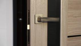 Inredörrar med dörrhandtaget