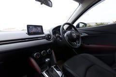 Inredesign av den Mazda CX-3 instrumentbrädan Fotografering för Bildbyråer